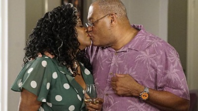 Black-ish 06x01 : Pops the Question - Seriesaddict